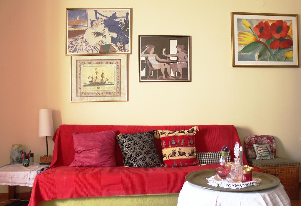 Ethnic Interior Design Ideas For Flats. Urban Light Wood Floor ...